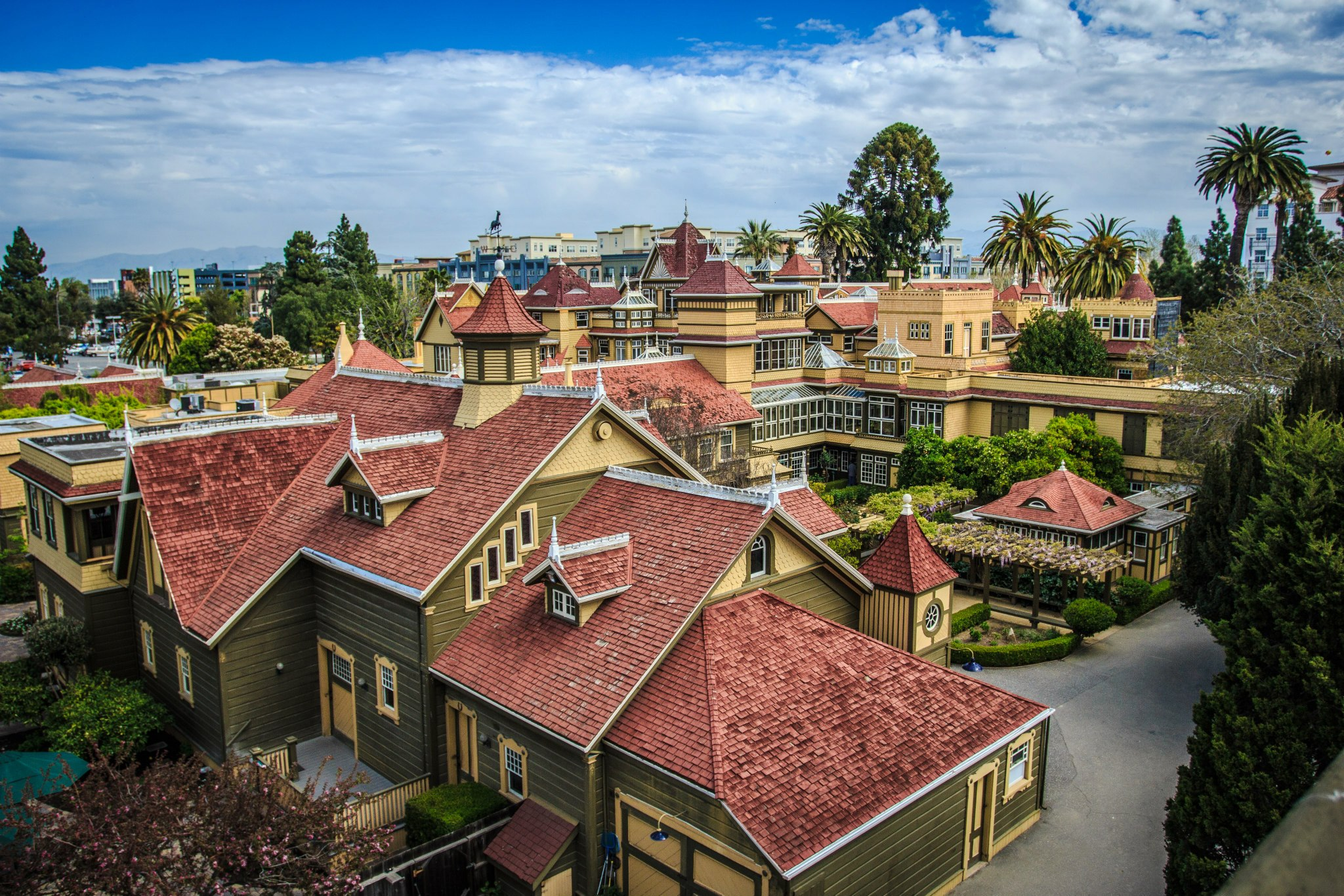 Scariest Places_Winchester Mystery House