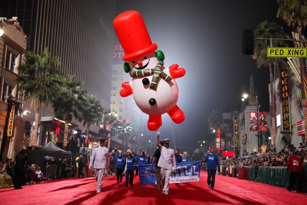 Source: TheHollywoodChristmasParade.org