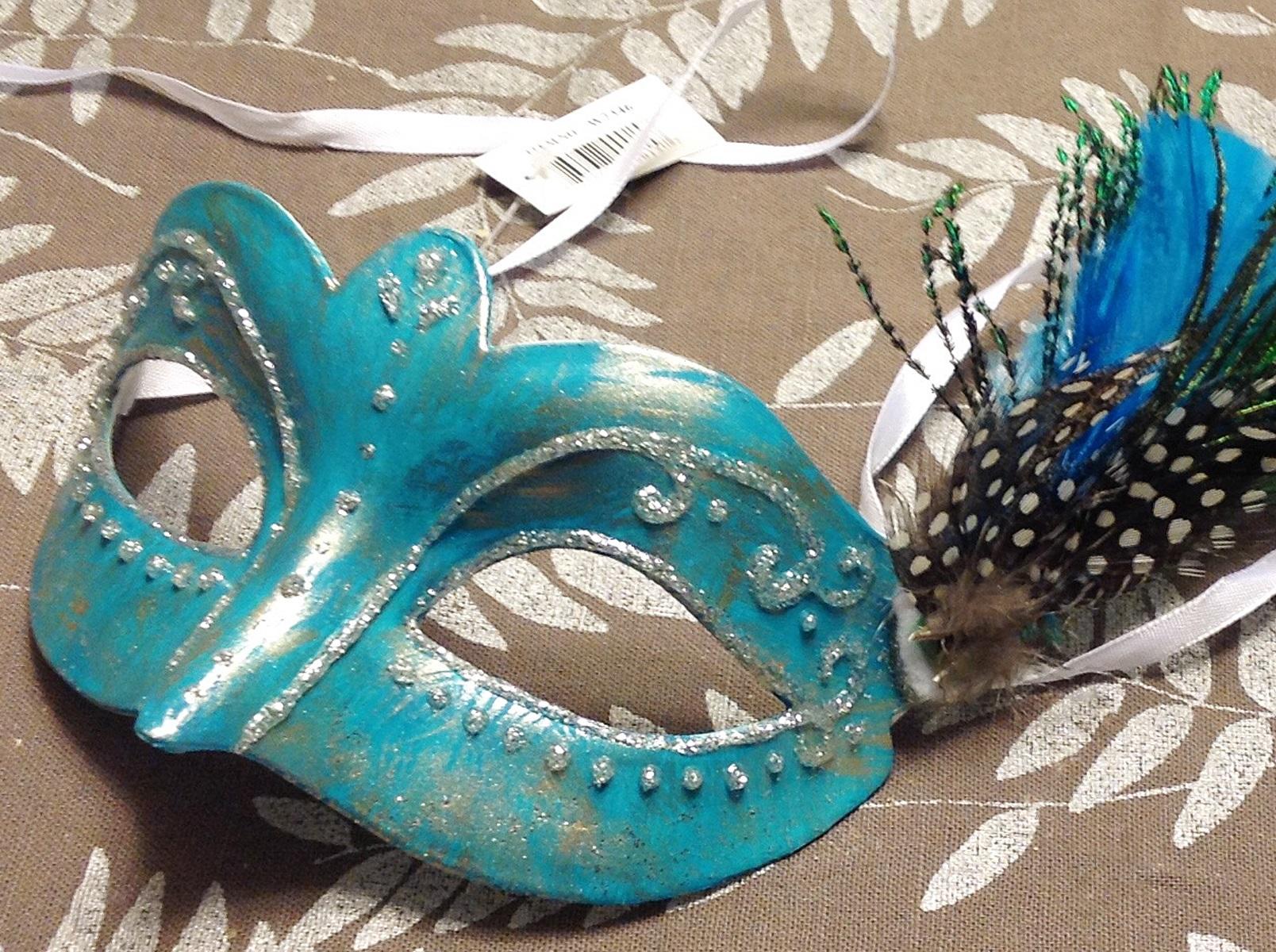Make Your Own Mardi Gras Mask