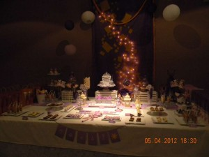 HALLOWEEN PARTY THEME: PRINCESS BALL decorations