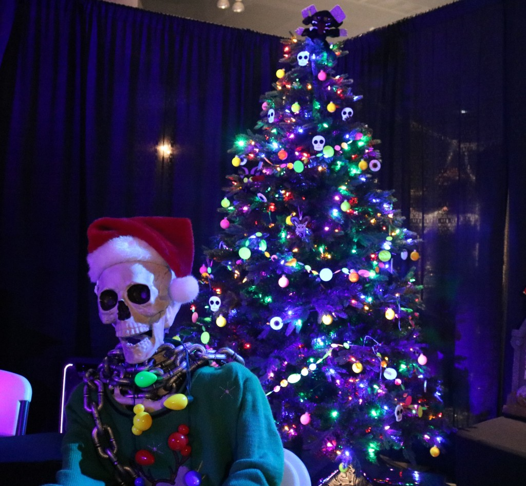 ScareLA 2018 Christmas skeleton
